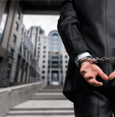 Arbeitgeberstrafrecht drburkhard bild mann in handschellen